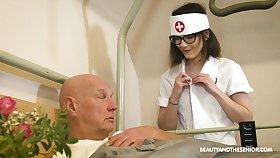 Cum-thirsty young nurse Sara Distress-signal gives a blowjob to old casing